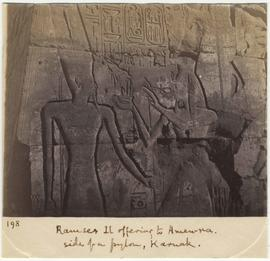 [198] Ramses II offering to Amen-ra.